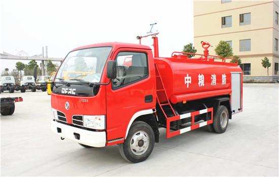 东风福瑞卡消防洒水车��5吨消防洒水车